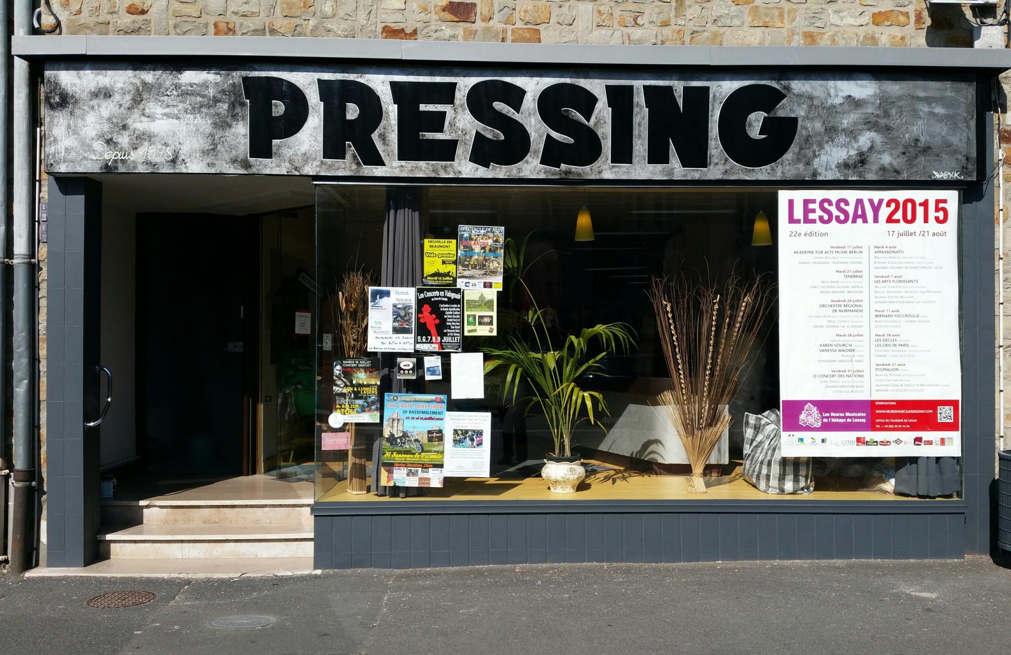 Enseigne pressing -La haye du puits