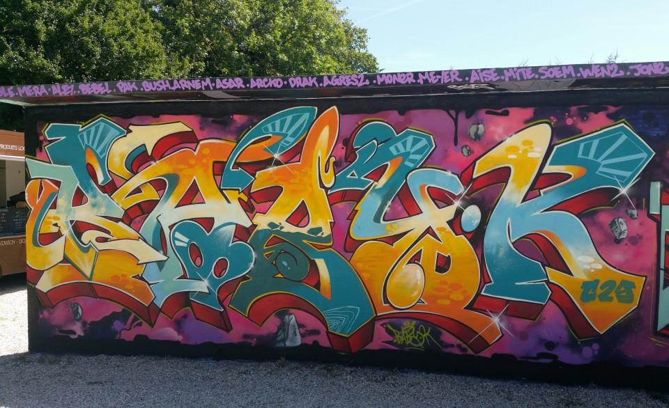 http://decoration-painting.com/wp-content/uploads/2015/09/Graffitizm.Mantes-la-ville-2015.jpg